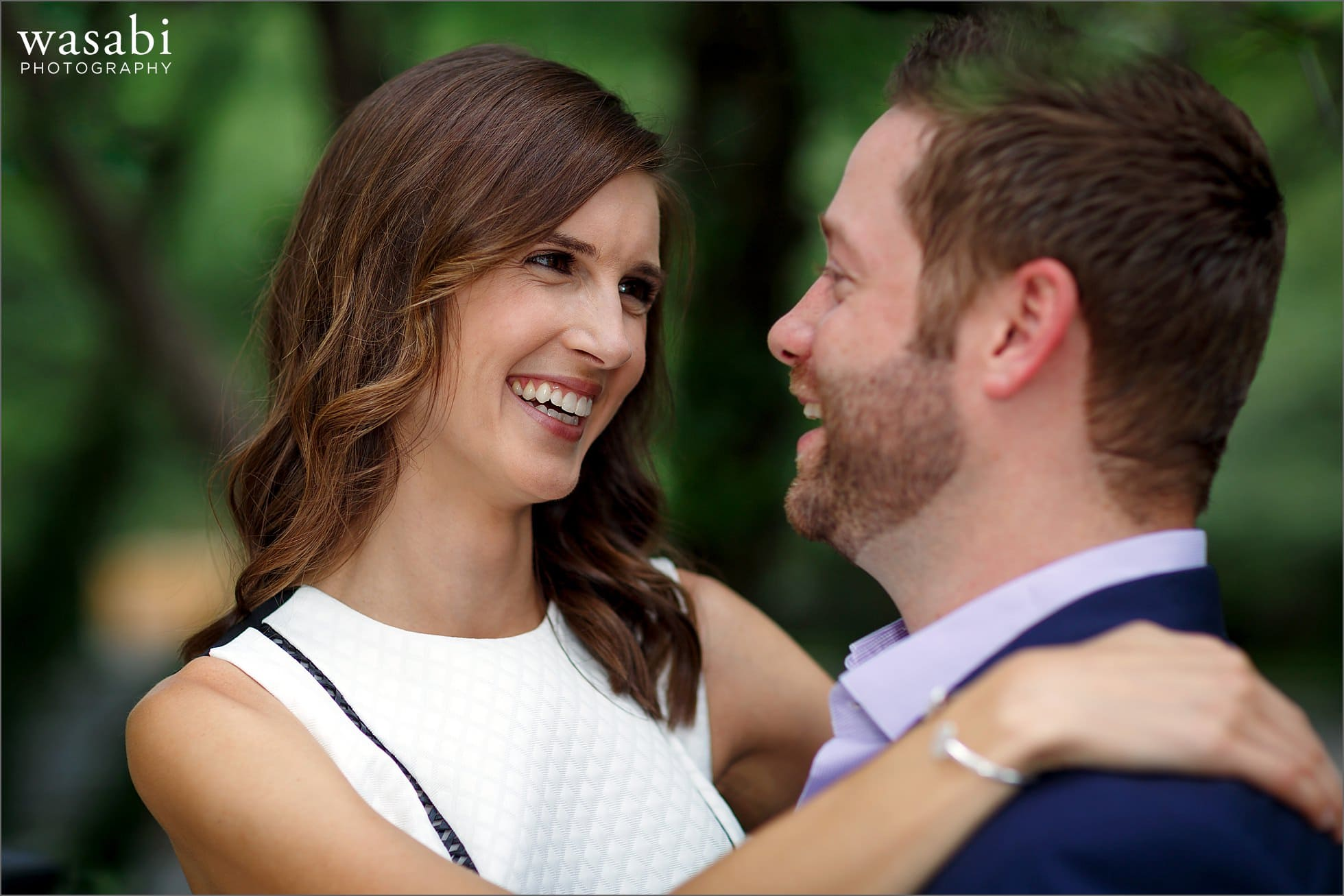 art-institute-south-garden-engagement-photos-05