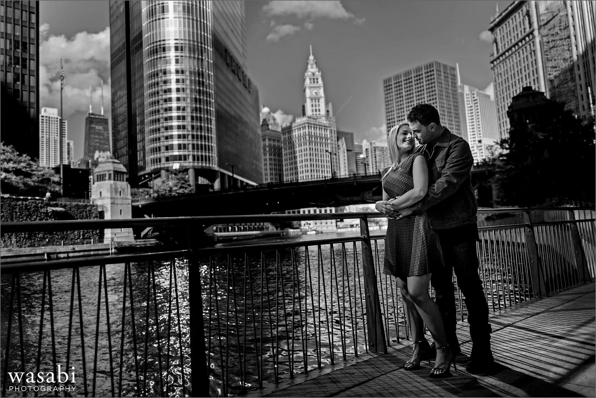 chicago-riverwalk-engagement-photos-02