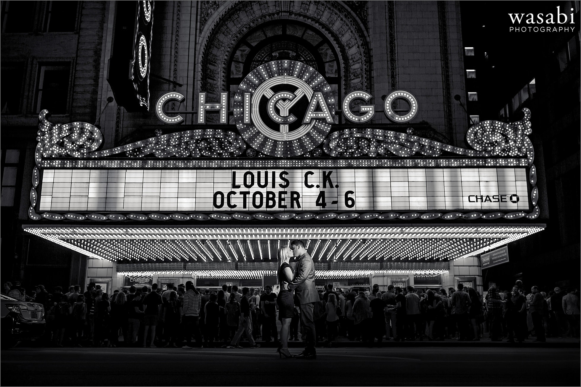 chicago-theatre-engagement-photos-10