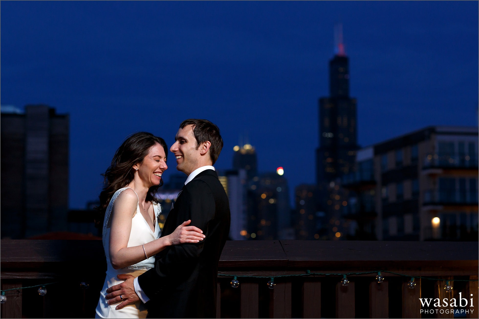 chicago skyline wedding photo