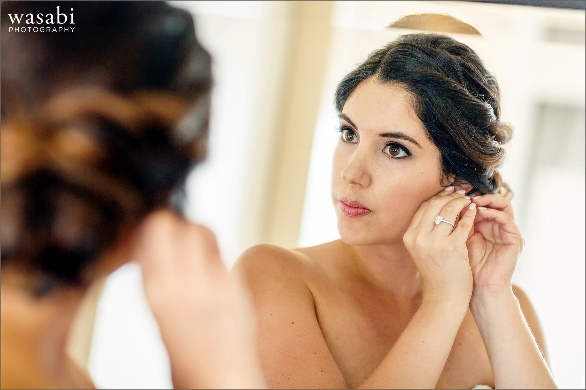 bride getting ready at the marriott michigan ave chicago wedding