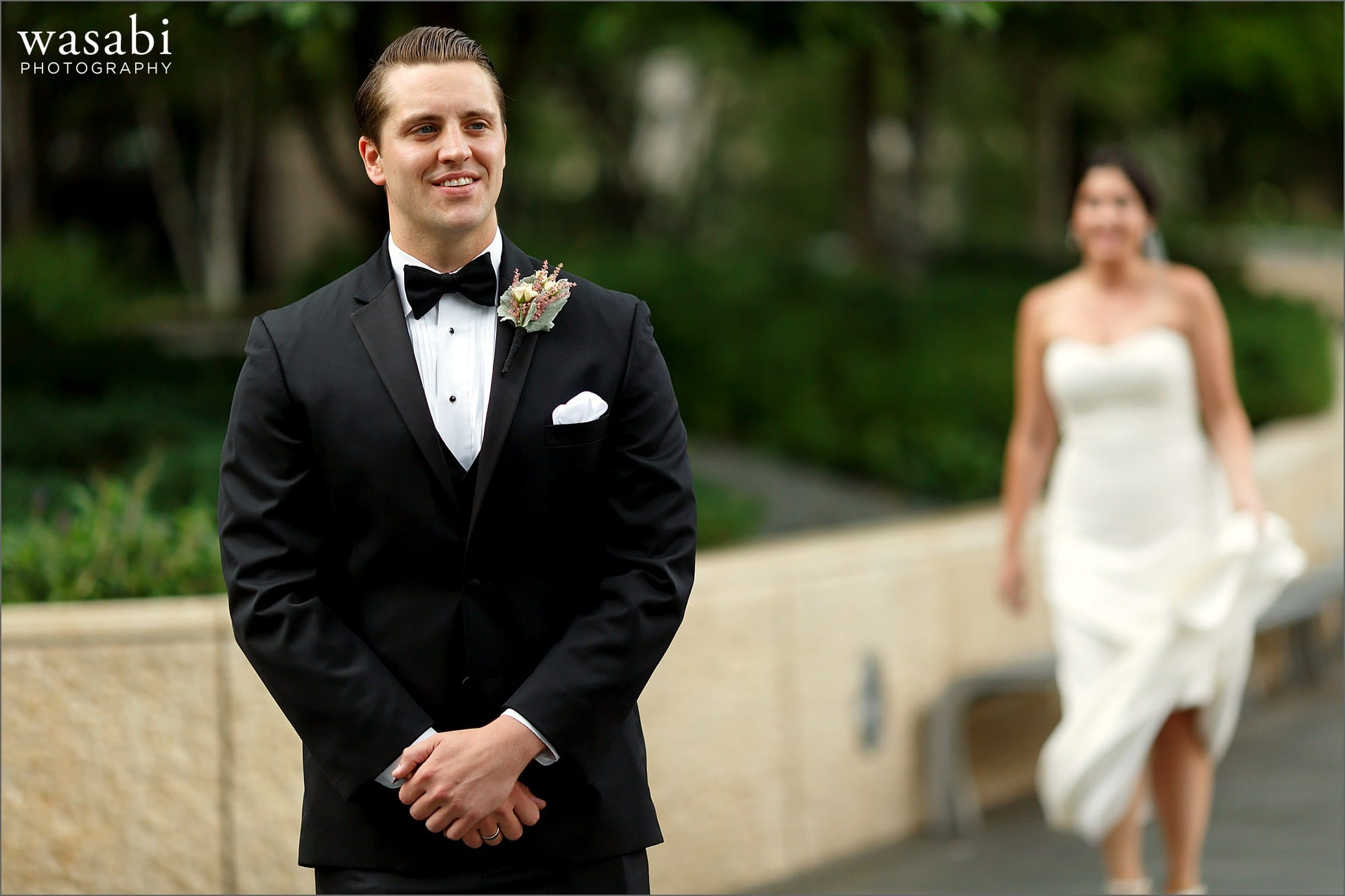 first look michigan ave chicago wedding