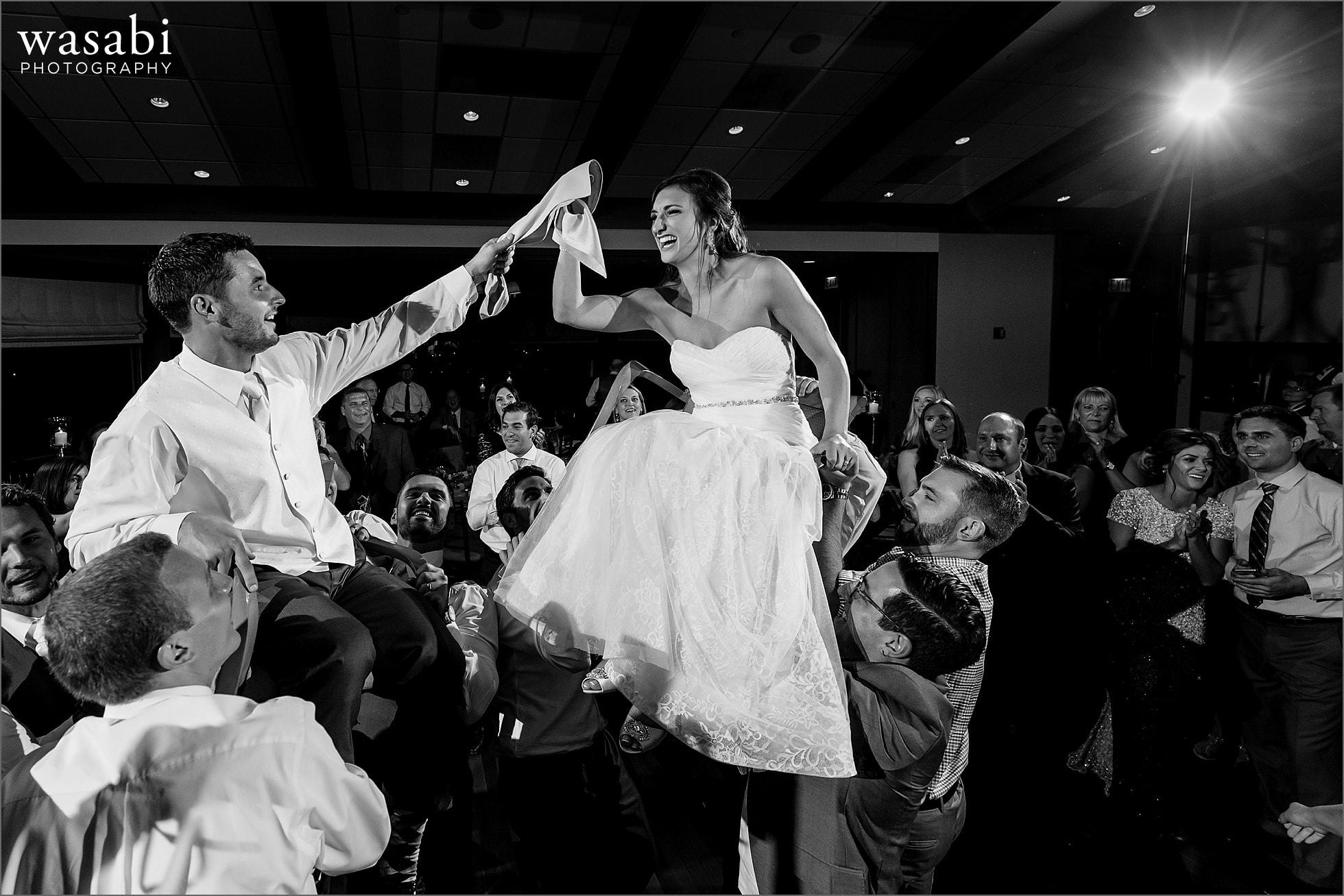 ivanhoe country club hora dance wedding photos