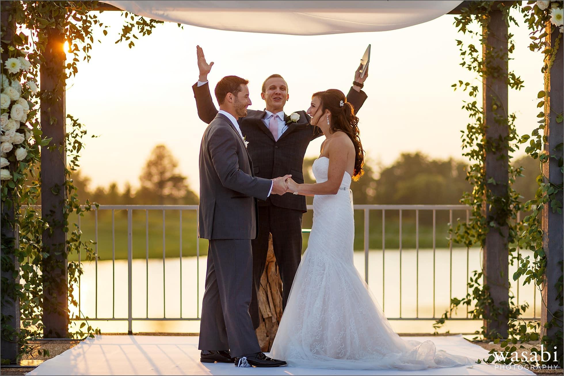 ivanhoe country club wedding photos ceremony