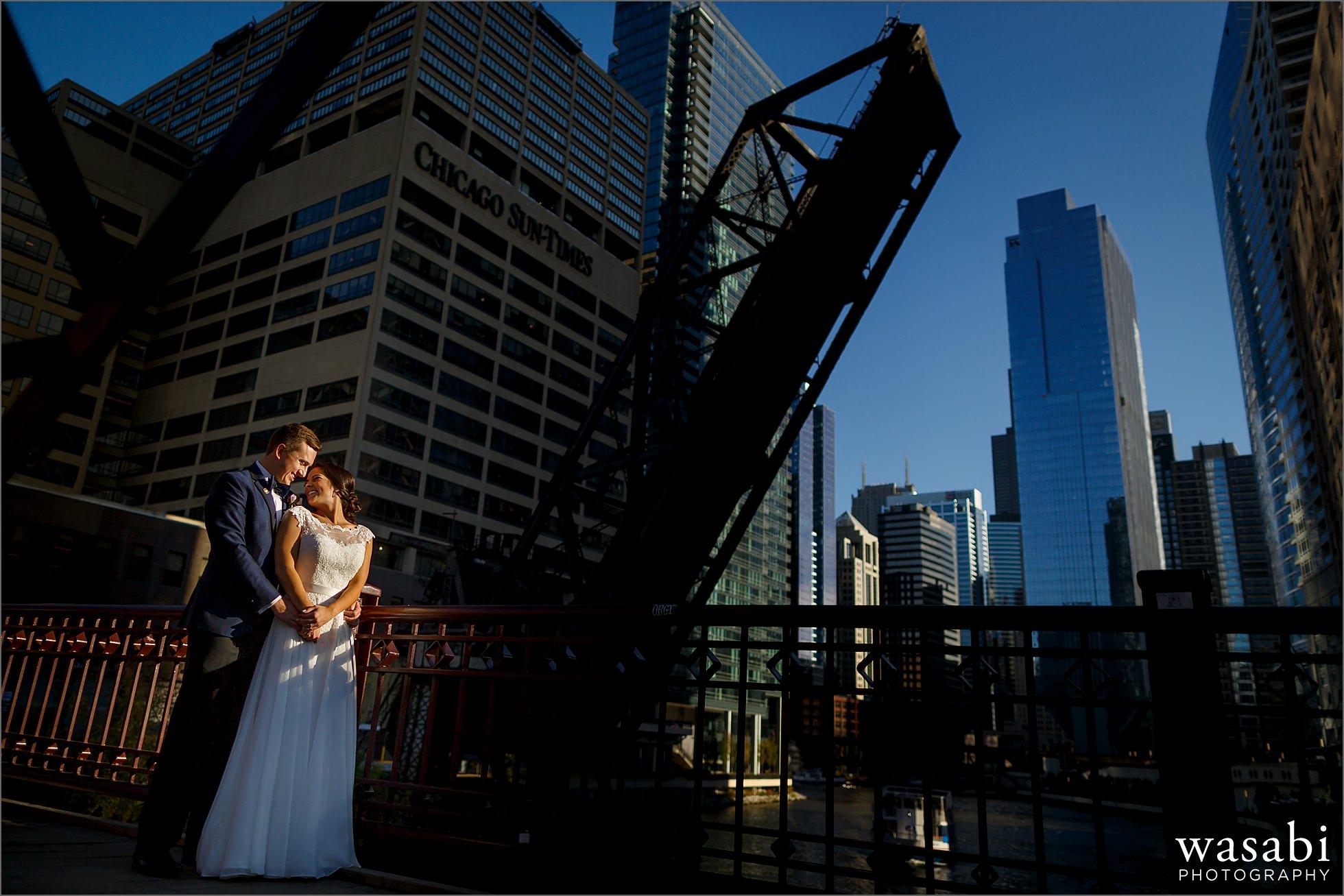 kinzie street bridge chicago wedding photos