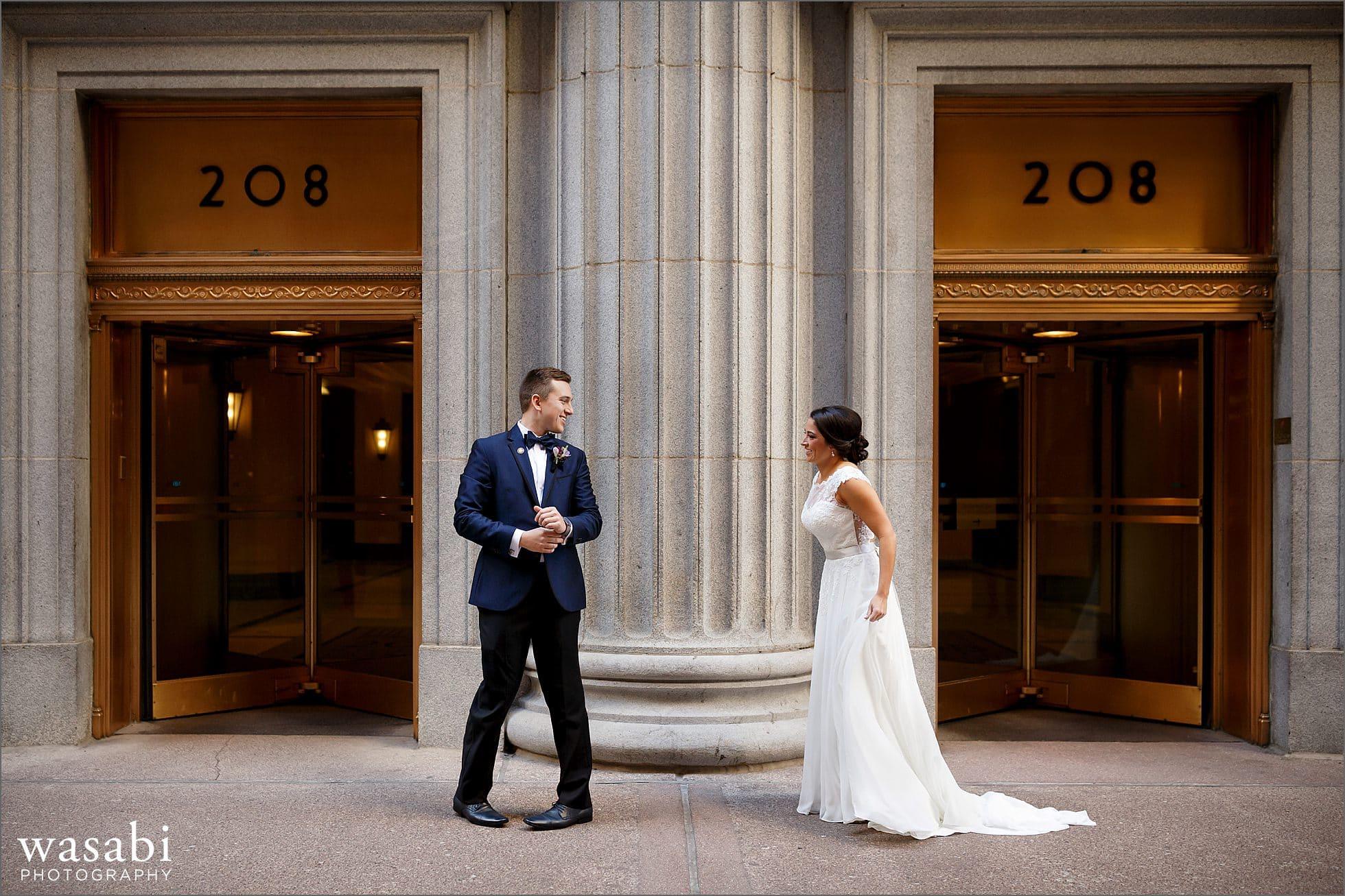 lasalle street first look chicago wedding photos