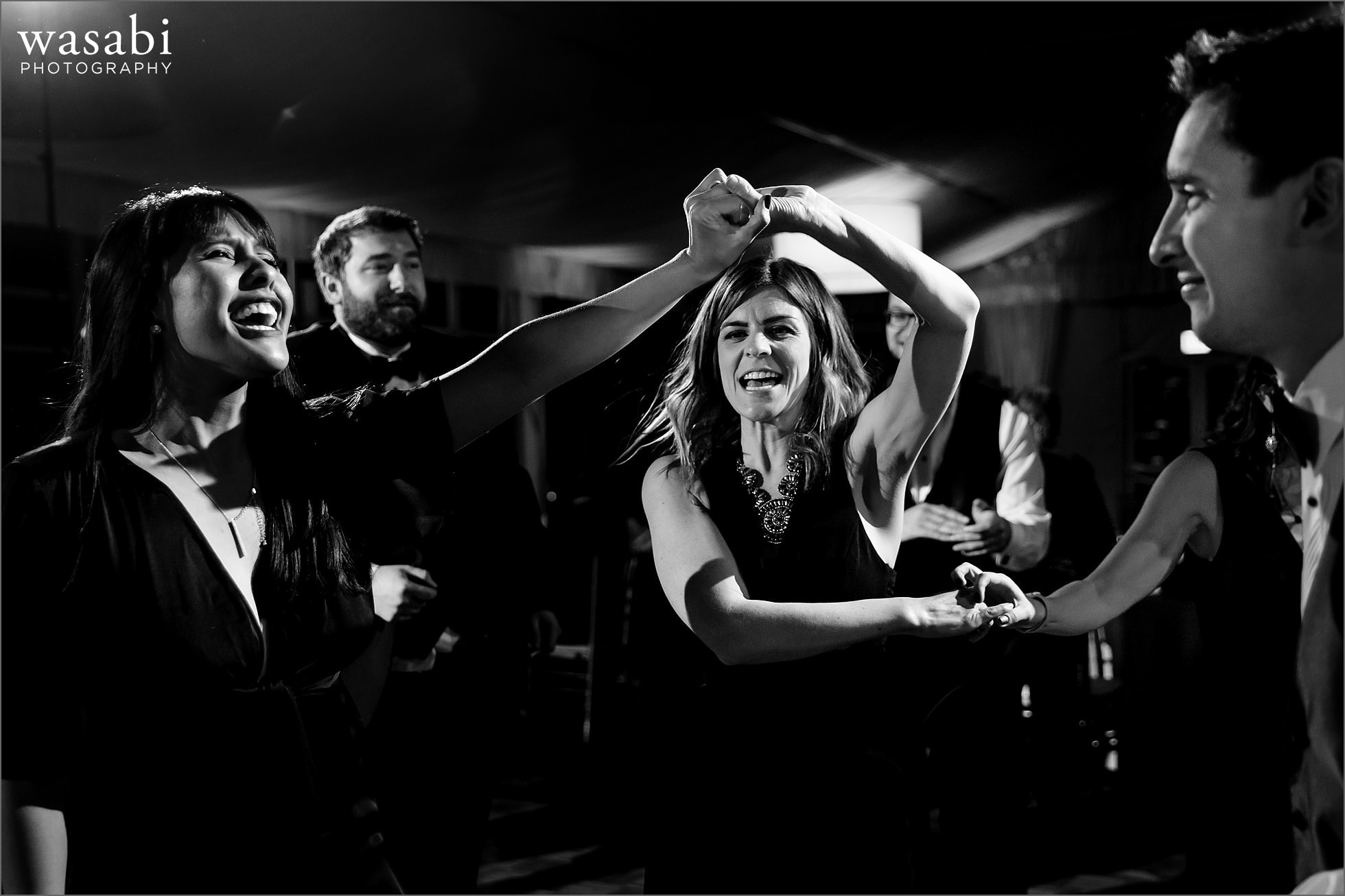 guests dance during Chicago Marriott Lincolnshire Resort wedding reception