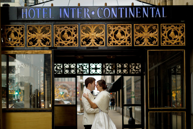 Intercontinental-Chicago-Magnificent-Mile-Wedding-03